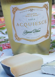Acquiesce Picpoul Blanc and cheese
