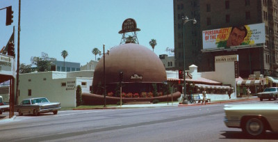 Brown_Derby_Restaurant_,_Los_Angeles_,_Kodachrome_by_Chalmers_Butterfield